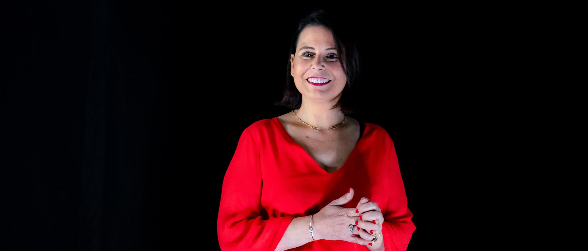 Portrait d'Agnès Pierre, coach et co-auteure du livre Libérez votre Futur de la Méthode Alpha and You©