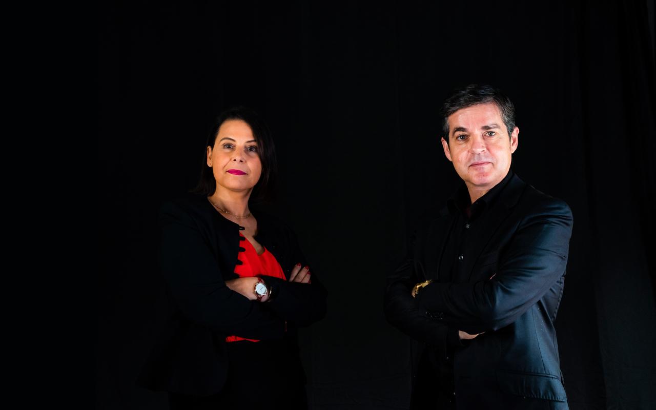 Photographie de Christophe Alvarez et Agnès Pierre, auteurs de la Méthode Alpha and You - Page contact